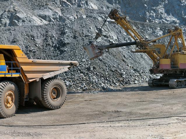 """""""Citigroup"""": Pre?ul minereului de fier va coborî sub 60 de dolari tona în 2015"""