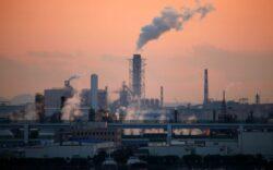 12 firme, inchise temporar pentru poluarea mediului