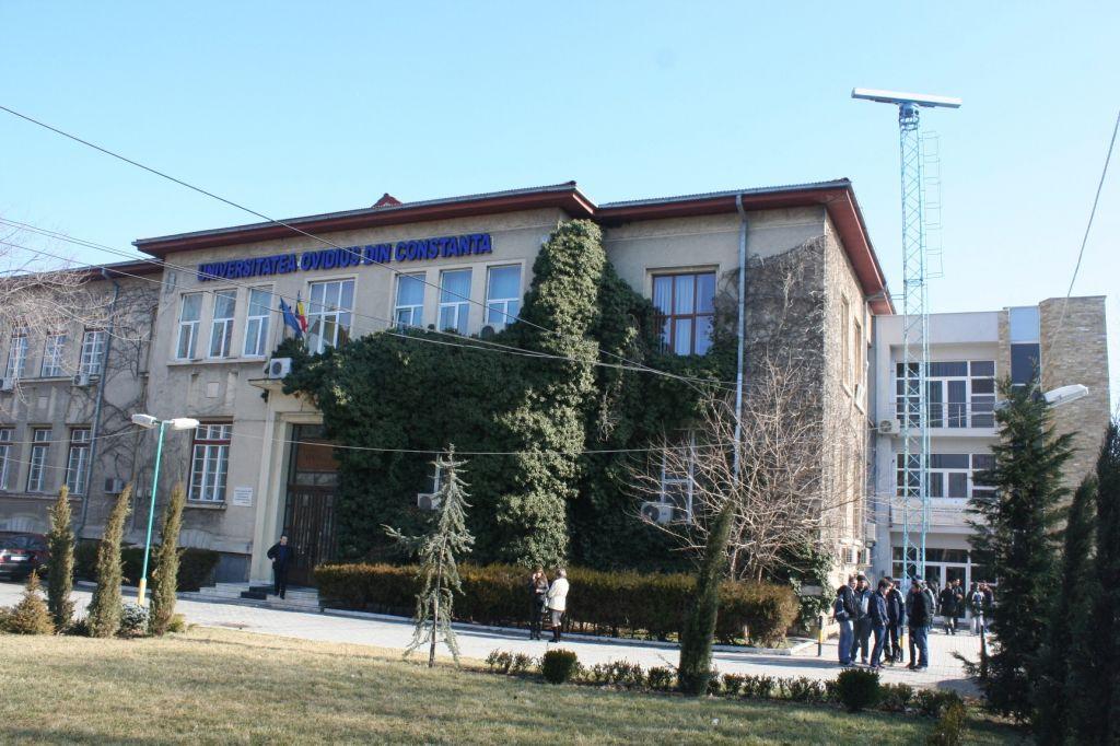 """Curs la Universitatea """"Ovidius"""": """"Utilizarea energiilor regenerabile în zonele rurale"""""""