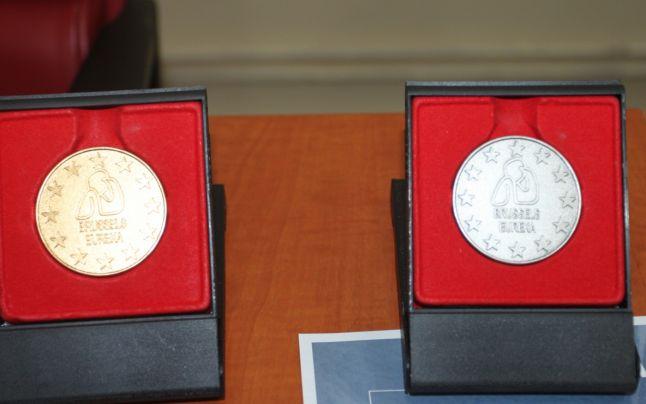 Materiale de construc?ii din de?euri inventate de Universitatea «Constantin Brâncu?i», medaliate la Bruxelles