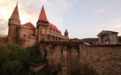 Castelul Corvinilor scapa de dezastrul ecologic care l-a inconjurat. Cum se vede viitorul zonei industriale din Hunedoara