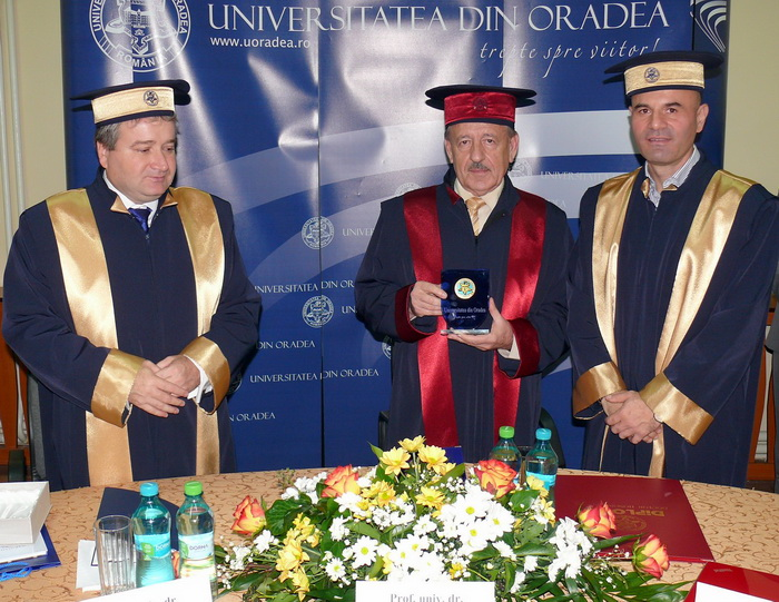 Doctor Cianur?: Universitatea din Oradea l-a f?cut Doctor Honoris Causa pe un sus?in?tor al exploat?rilor de la Ro?ia Montan?