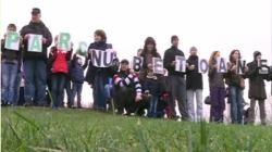 Protest de amploare in parcul IOR din Capitala fata de primarul Robert Negoita