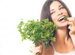 Miracolul din frunza de patrunjel. E uluitor ce efecte poate avea aceasta planta-medicament!