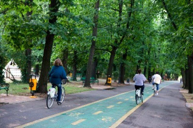 O Autostrad? Verde de piste de biciclete va uni parcurile din Capital?