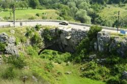 """""""Podul lui Dumnezeu"""" sau miracolul natural din judetul Mehedinti"""