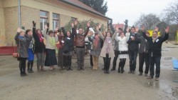 Doua institutii de invatamant din Bistrita au infiat un copac in Ungaria