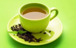 Trei cești de ceai verde sau negru pe zi sunt benefice pentru sănătate