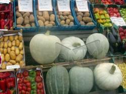 Niciun mare retailer nu vinde fructe si legume ecologice romanesti