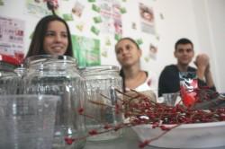 Creativi si originali! 30 de tineri romani si bulgari invata sa puna pret pe reciclare