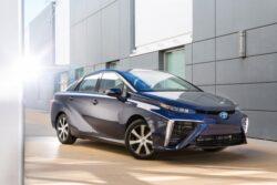 Masina pe hidrogen Toyota Mirai a strans 1.500 de comenzi intr-o luna