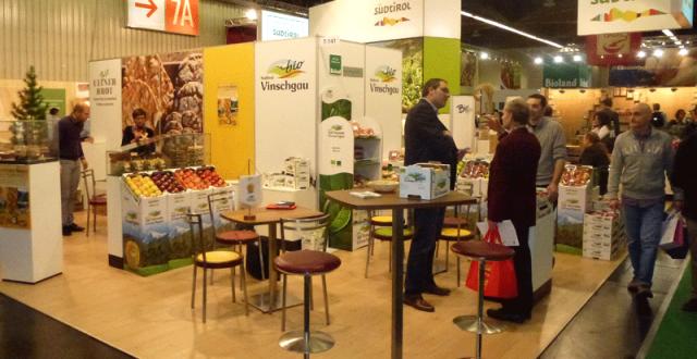 Produsele bio româneşti, la târgul de produse tradiţionale