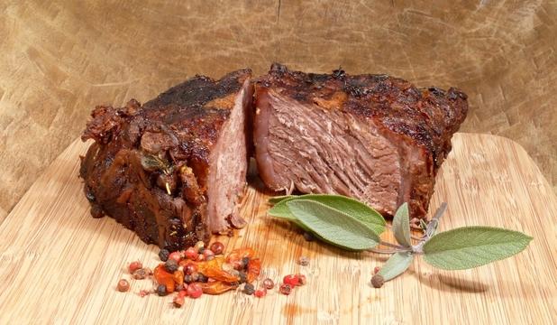 Carnea roşie creşte riscul de apariţie a cancerului