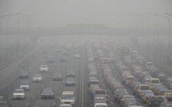 Sute de persoane au fost spitalizate la Teheran din cauza poluarii