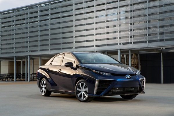 Brevetele Toyota pentru maşini cu hidrogen sunt acum gratuite pentru oricine