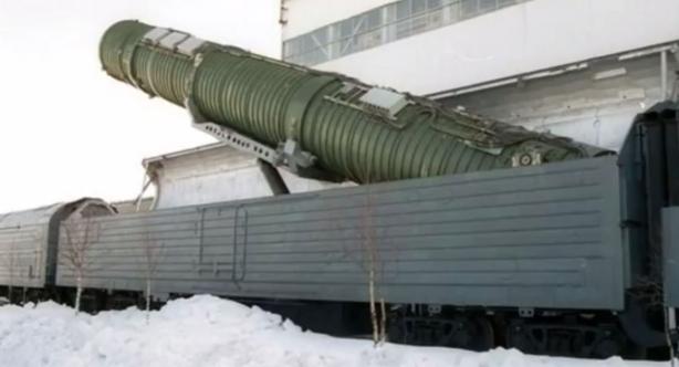 """Rusia va reintroduce în circulaţie """"Trenurile nucleare"""", din 2018"""