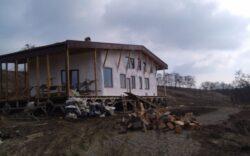 Casa din paie care bate vilele