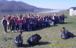 Barajul din Calinesti Oas, curatat de elevii din localitate