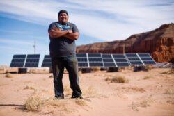 Indienii Navajo au abandonat minele de carbune in favoarea energiei solare
