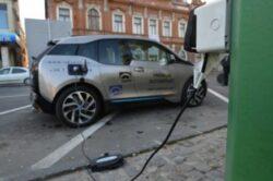 Ruta Brasov – Bucuresti va avea o statie de incarcare pentru masinile electrice