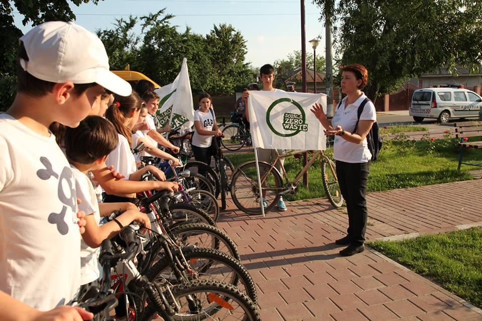 """Elevii sunt invitați să se înscrie în concursul de educație ecologică """"Școala Zero Waste"""""""