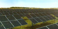 """""""Rusnano"""" si """"Renova"""" au lansat in Rusia prima linie de productie a panourilor solare, investitiile fiind de 20 de miliarde de ruble"""