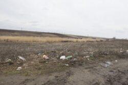 Mormane de gunoi aruncate la marginea comunelor, in LIPSA unui sistem de colectare a deseurilor